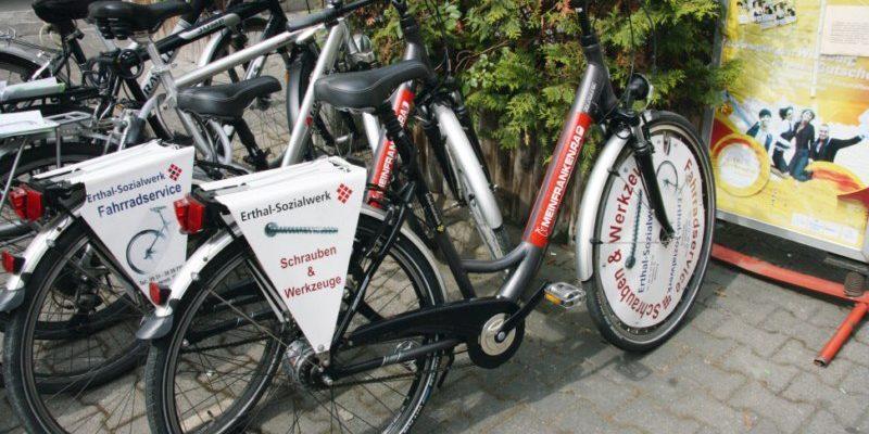 #1236 (kein Titel) – Individuelle Werbung auf zwei Rädern - das MEINFRANKENRAD bringt Ihre Werbebotschaft auf die Straße.