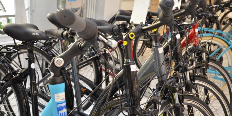 #1406 (kein Titel) – Sie haben Fragen? Nehmen Sie Kontakt mit uns auf - oder besuchen Sie uns direkt im Fahrradservice in der Sanderstraße.